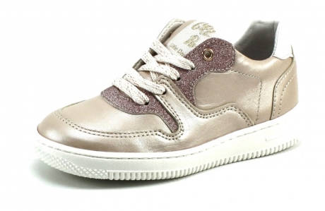 Op Penny Blossoms (fashionbabes vinden hier de beste online shops) is alles over accessoires te vinden: waaronder schoenen en specifiek Little David Paloma Roze DAV01 van de online shop Stoute Schoenen